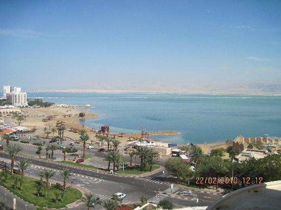 Daniel Dead Sea Hotel: View from the balcony to the sea