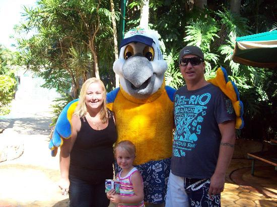 Ashmore Palms Holiday Village: My family with macca macaw the mascot