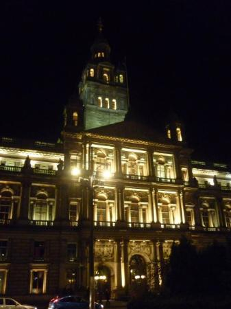 Glasgow, UK: George Square - The big Building ;)