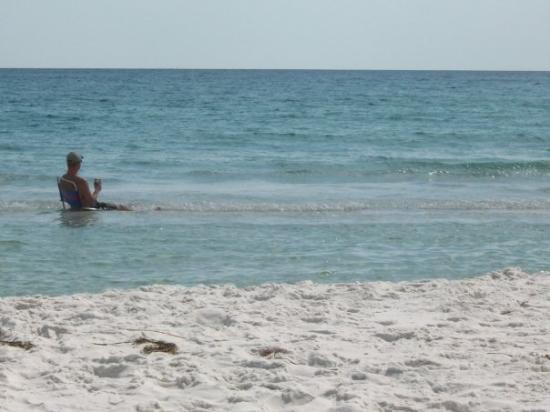 Fort Myers Beach, FL: Scott beach truckin