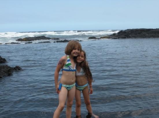 Kailua-Kona, HI: Swimming with sea turtles in the tide pool at Punalu'u Beach.