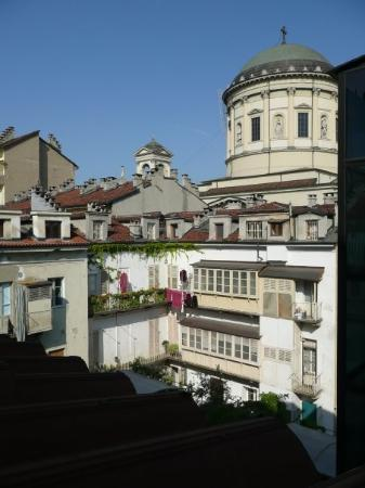 Torino, Italia: La vue depuis l'appart de Turin: Chiesa Cattolica Parrocchiale San Massimo