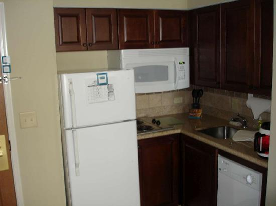 Staybridge Suites Augusta: Kitchen