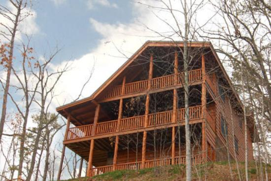 Pigeon Forge, TN: Our Cabin Running Bear