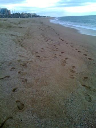 Passejant per la platja de Calella