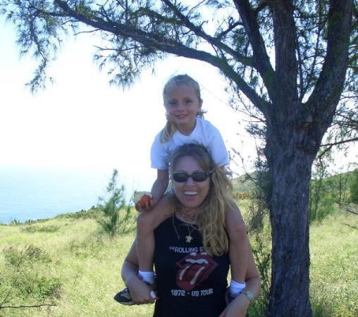 Haleiwa, HI: Holly and me hiking Oahu!