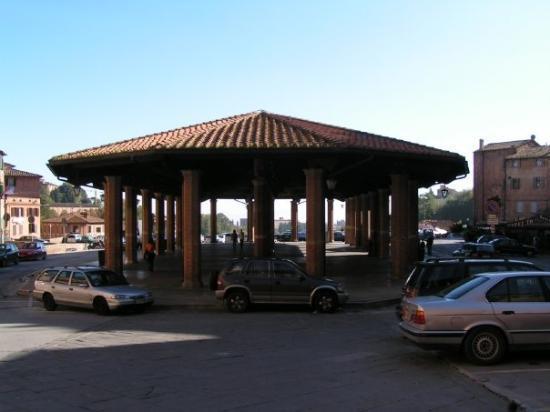 Siena - Piazza del Mercato - 2005