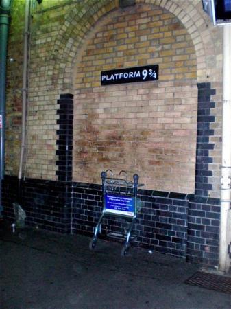 King's Cross Station: :-D  Hooray!