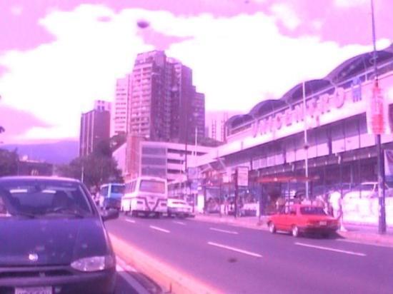 Unicentro El Marqués y Bazar Bolívar Caracas