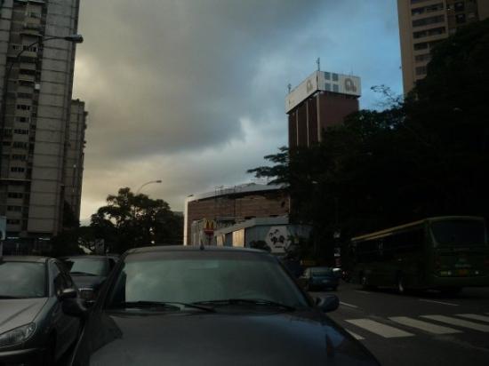 Centro Lider y Bazar Bolívar (Av. Francisco de Miranda) Caracas