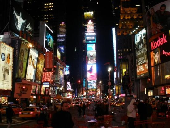 Times Square: Freaking love NY