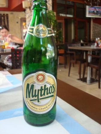 Kefallinia, Hellas: Det lokala ölet Mythos var ganska gott tyckte Per.