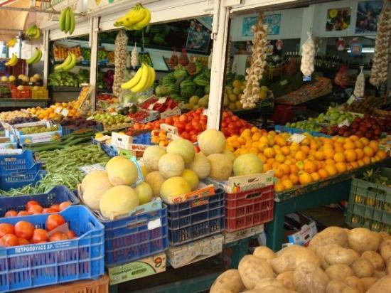 Kefallinia, Hellas: Fruktmarknad i Arkastoli dit vi åkte vespa från Skala  ca 1,5 timme.