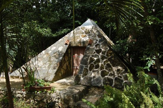 La Selva Mariposa: Mayan steam room