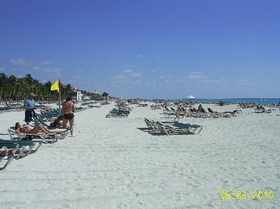 ClubHotel Riu Tequila: Beach
