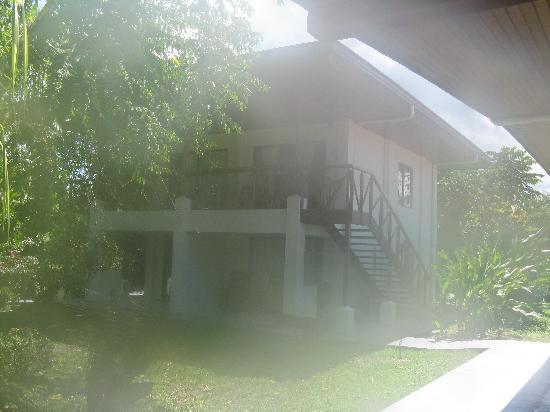 Crocodile Bay Resort: Villas/Rooms