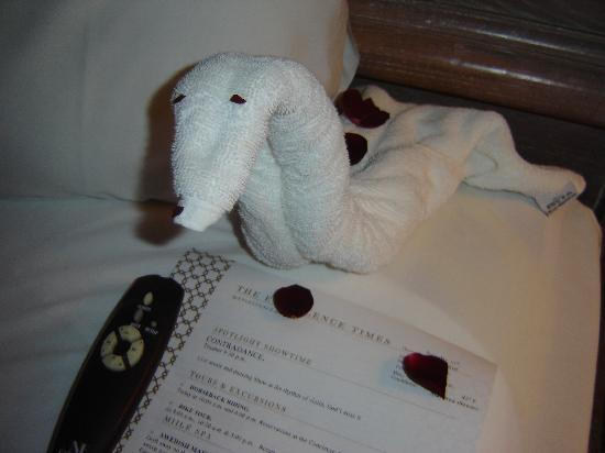 Excellence Punta Cana: One of the towel animals housekeeping made for us