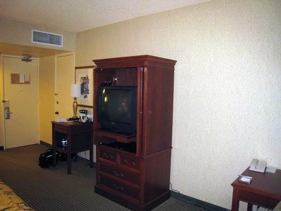 Hilton Oakland Airport: TV