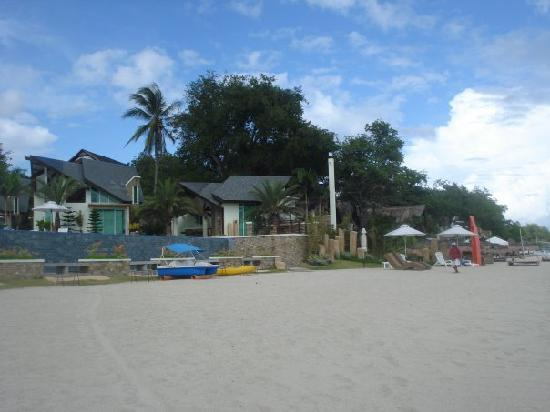 Acuatico Beach Resort & Hotel: sand