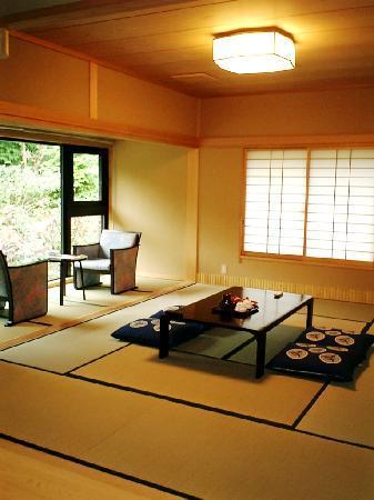 Sengokukogen Daihakone Ichinoyu: 本棟和室