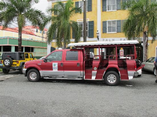 Caribbean Historical Tours!: Dawuud's clean, comfy vehicle