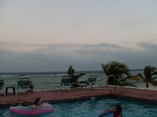 Bodden Town, Grand Cayman: From the pool deck