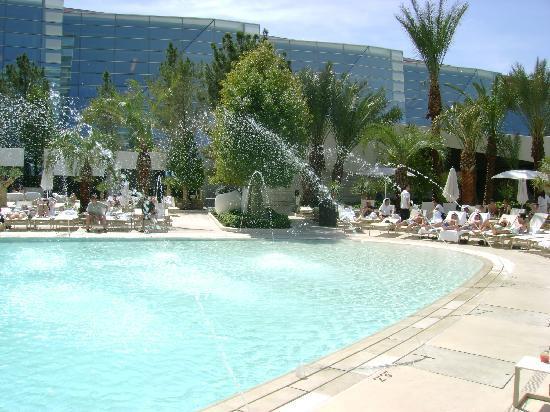 ARIA Resort & Casino: Main Pool