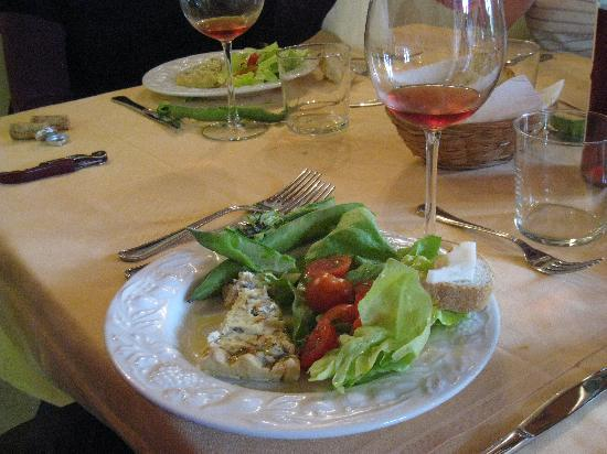 Tuscan Wine Tours by Grape Tours: Tasty lunch served on the tour.