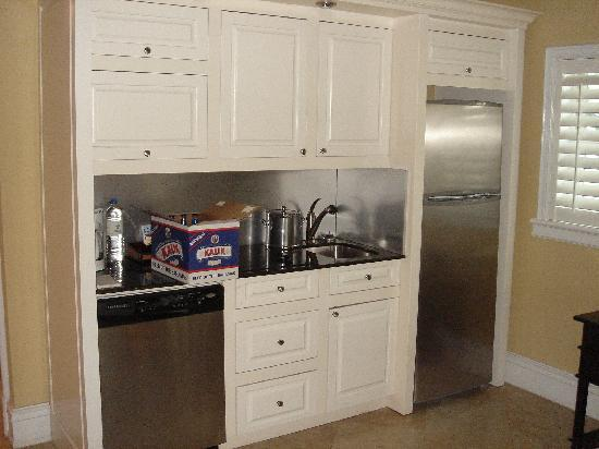 Old Bahama Bay: Our kitchenette