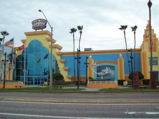 Cocoa Beach, FL: Entrada principal de la tienda