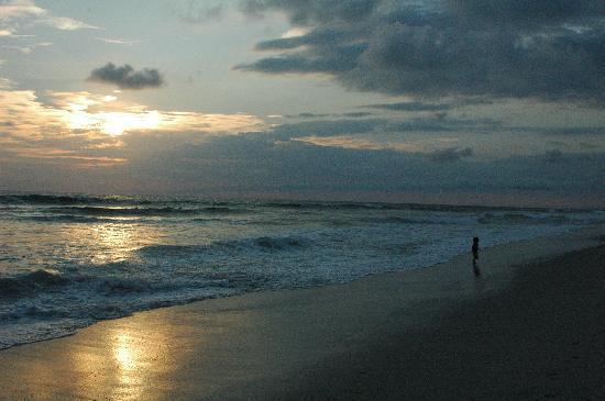 Mariposa Vacation Homes: sunset