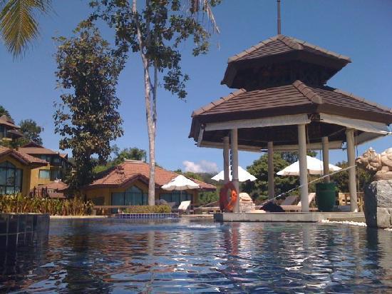 Supalai Resort & Spa Phuket: Pool bar. CLOSED.