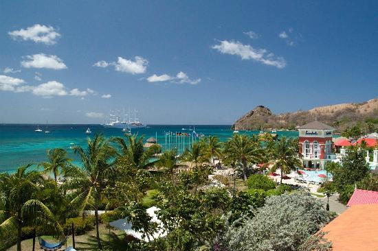 Sandals Grande St. Lucian Spa & Beach Resort: Ocean and pool view