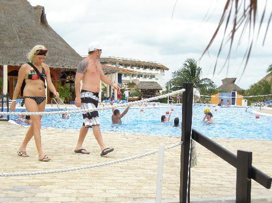 Ocean Maya Royale: une des piscines