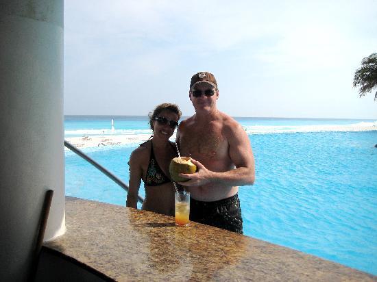Le Blanc Spa Resort: Us having a coconut beverage
