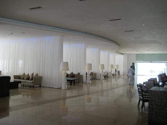 Le Blanc Spa Resort: Lobby