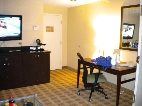 Doubletree Hotel Little Rock: Rest of the living room