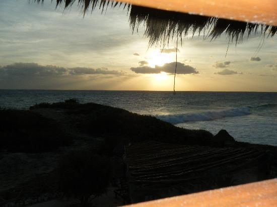 Villa La Bella: morning view from the palapa room