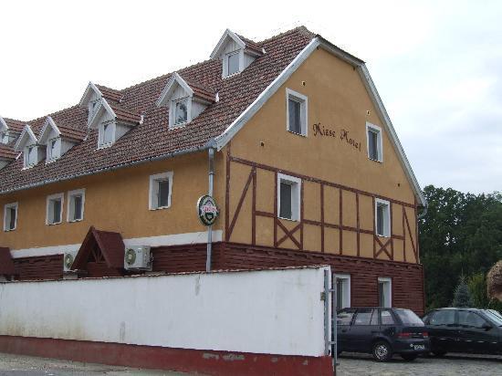 Mizse Motel: facade