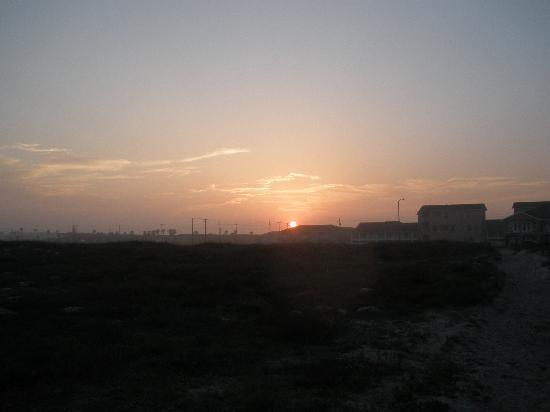 Holiday Inn Express & Suites Corpus Christi-N Padre Island: Sunset to die for