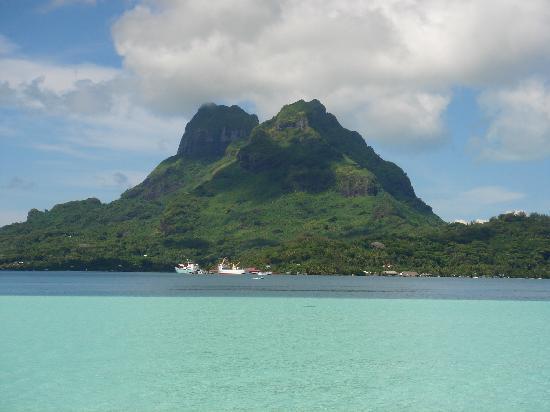 Bora Bora Pearl Beach Resort & Spa: ホテルから見たオテマヌ山です