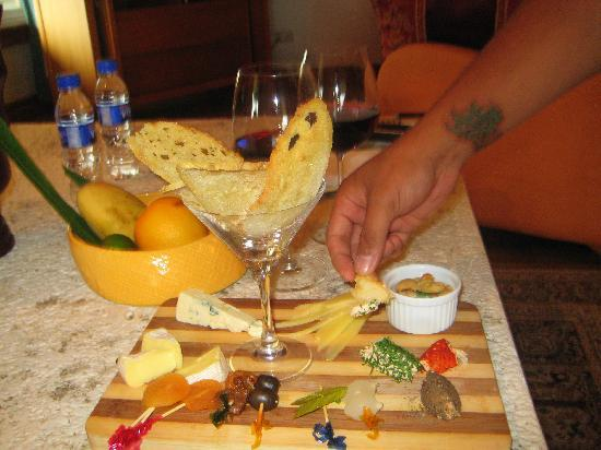 Discovery Country Suites: their specialty cheese and wine tasting