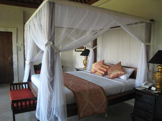 Bebek Tepi Sawah Villas & Spa: Ubud Village bedroom