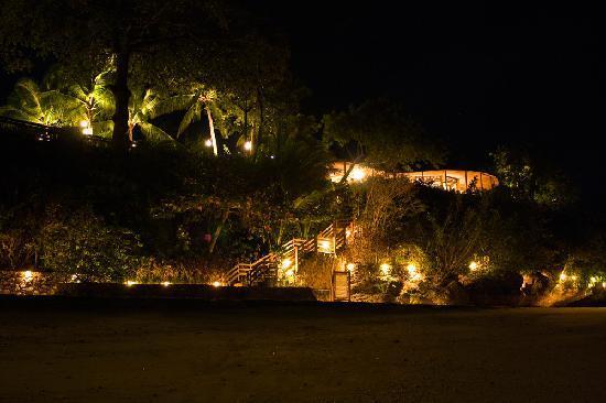 Alegre Beach Resort: The Beach At Night