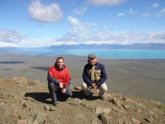 Sur l'un des sommets qui entourent la ville d'El Calafate, en Patagonie, Argentine