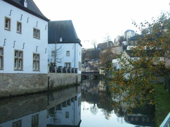 Luxembourg by, Luxembourg: Canal in Old Town
