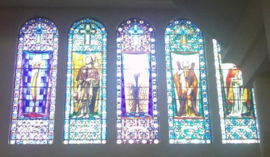 Ambato, Ecuador: Vitrales en la Catedral