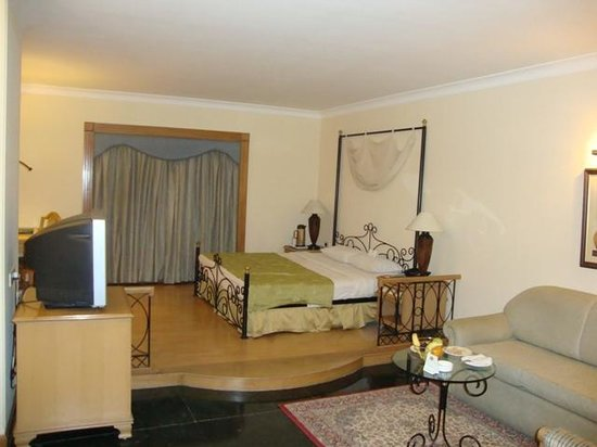 Country Inn & Suites By Carlson, Jalandhar : Suite View Country Inn Jallundhar