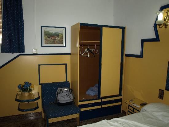 AAE Hostel Pino : l'armadio