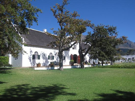 Steenberg Hotel: Main building and central garden